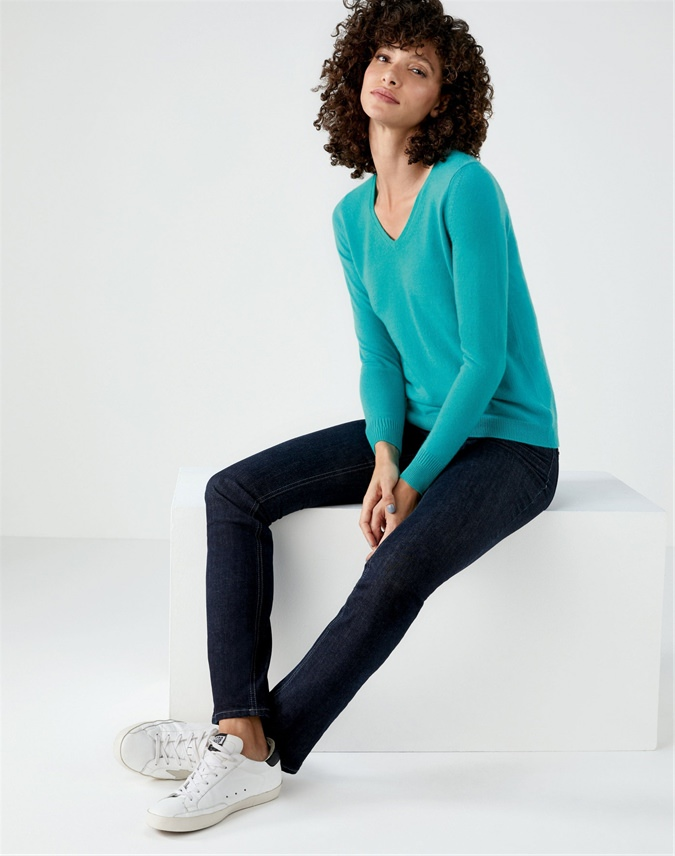 Cashmere Straight Fit V Neck Sweater