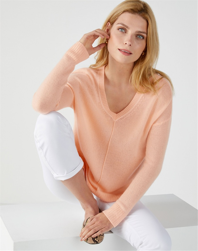 Gassato Tipped V Neck Sweater
