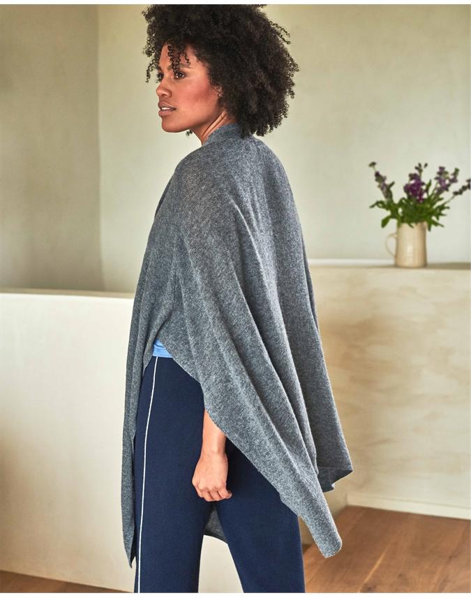 Gassato Knitted Wrap