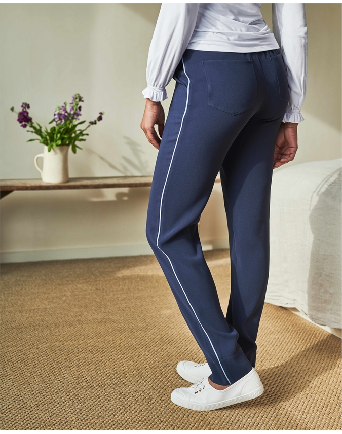 Relaxed Crepe Trackpant