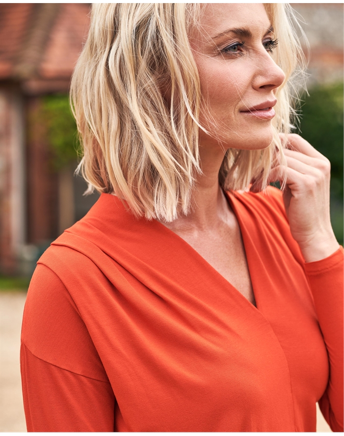 Relaxed Pleat Shoulder Top