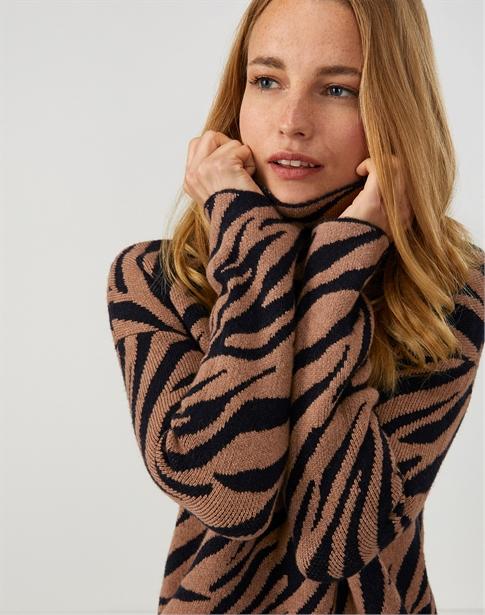 Animal Funnel Neck Sweater